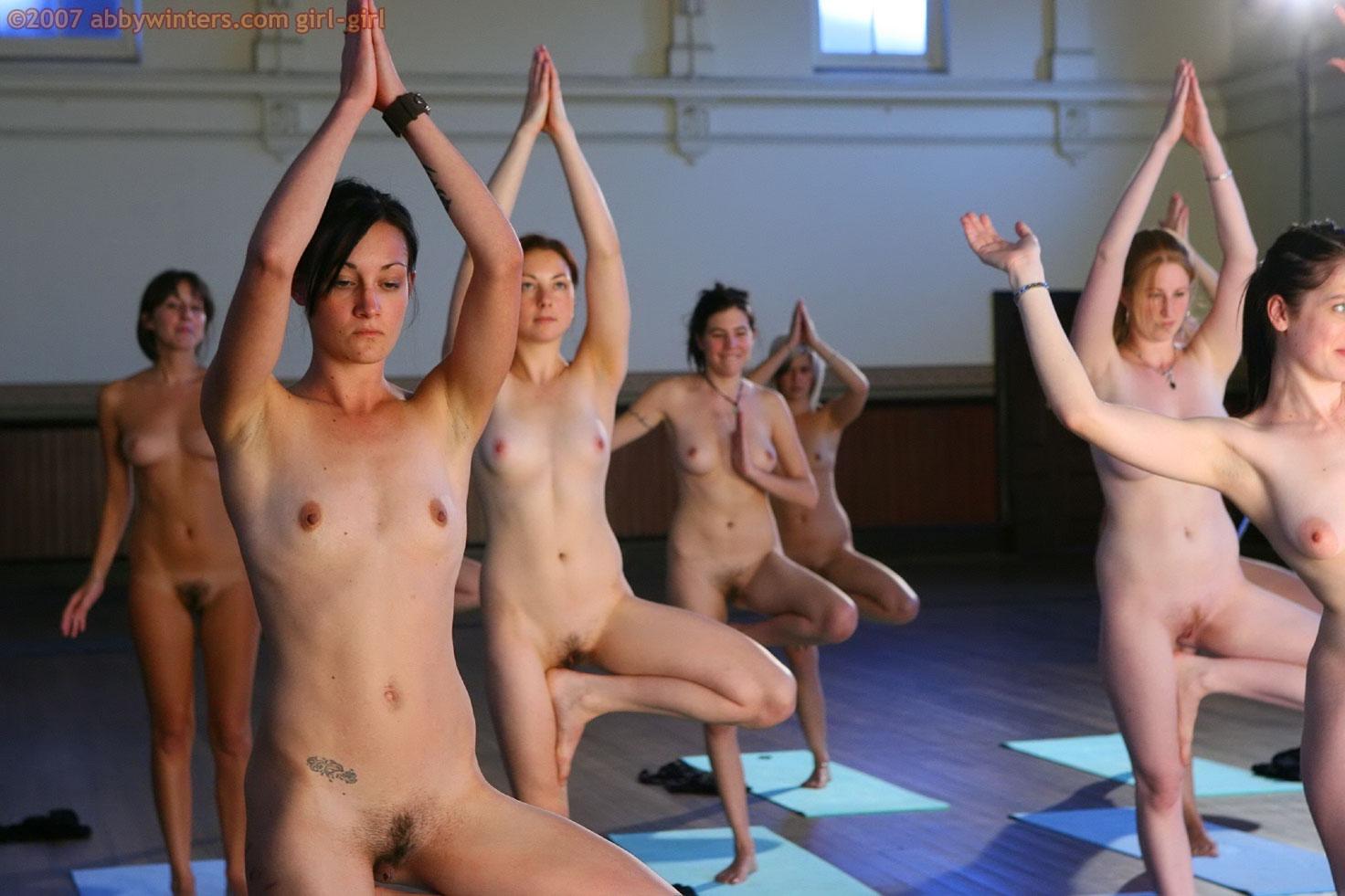 Смотреть порно бесплатно на физкультуре, Порно гимнастки - гибкие девушки занимаются сексом 11 фотография