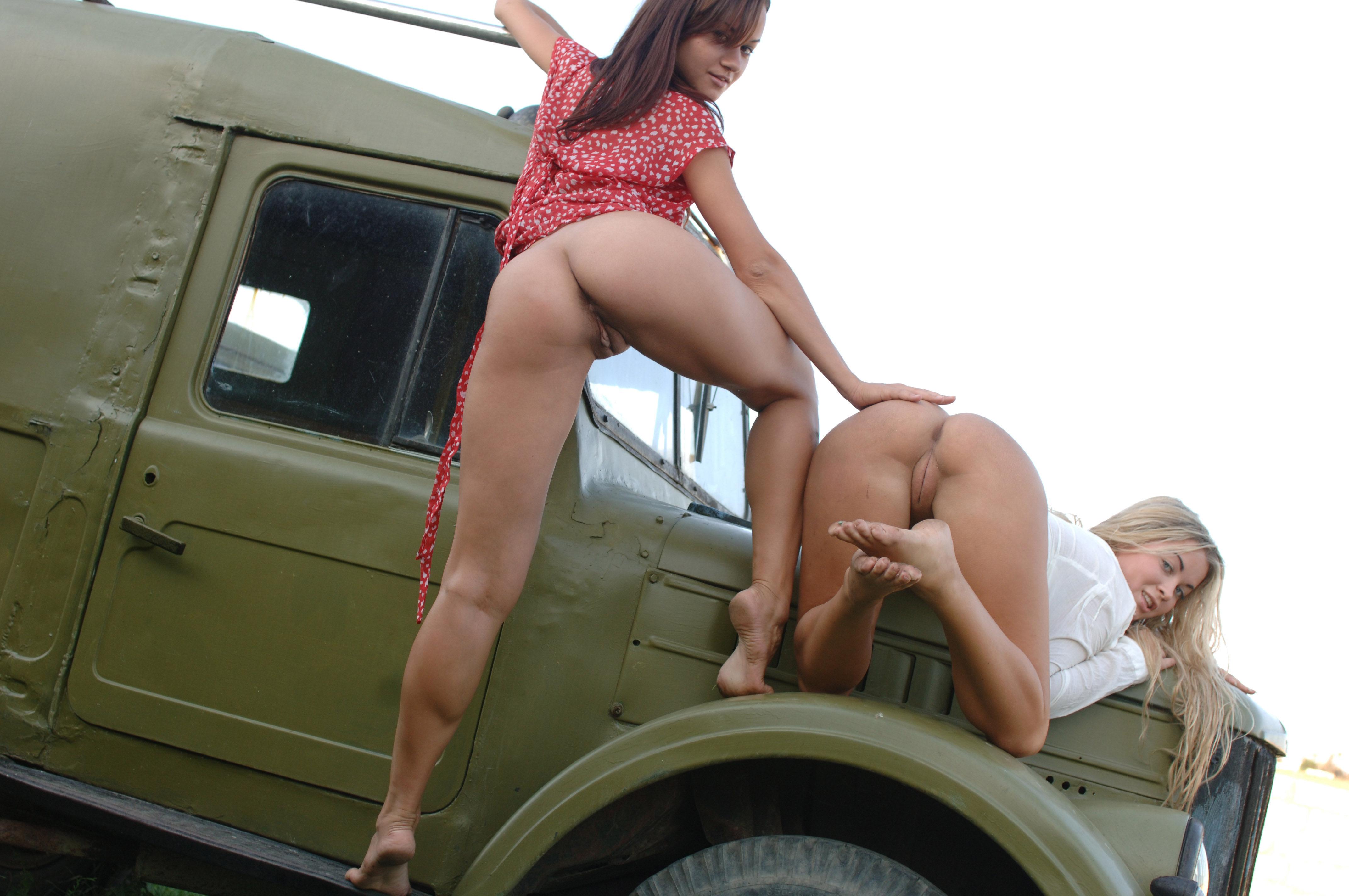 фото порно девушки и машины