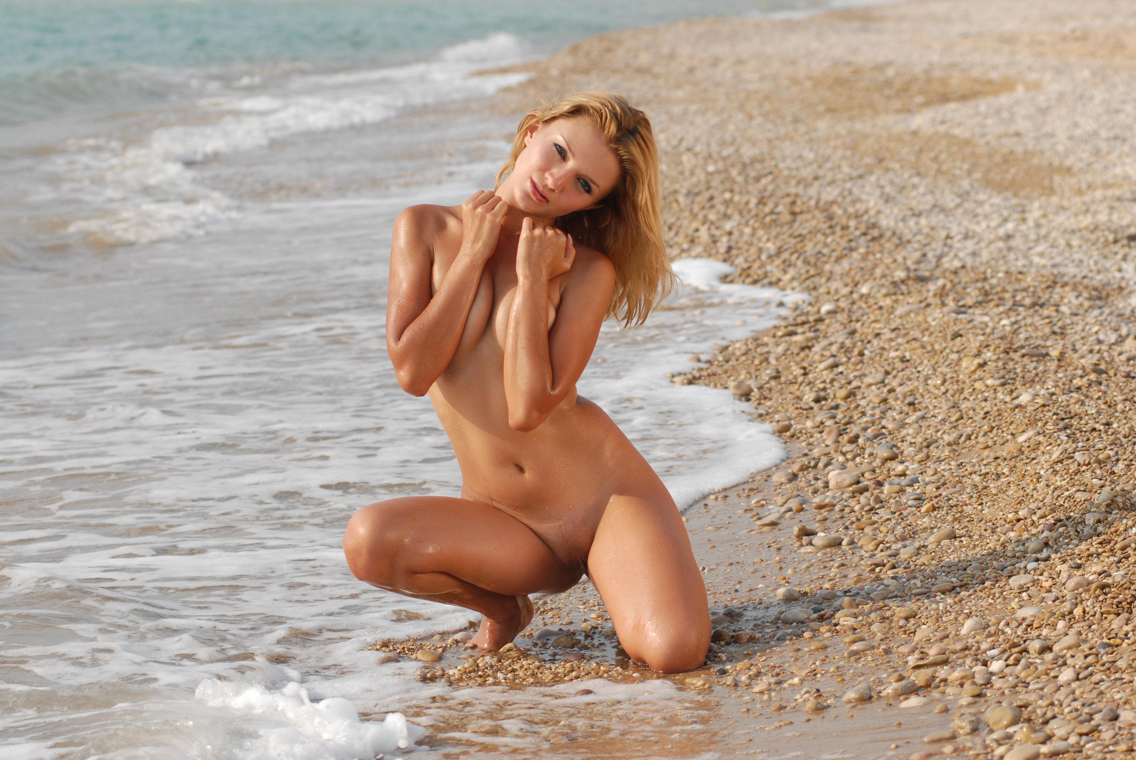 Фотографии красивых абсолютно голых девушек 17 фотография