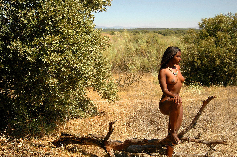 Сиськи диких племен смотреть фото 7 фотография