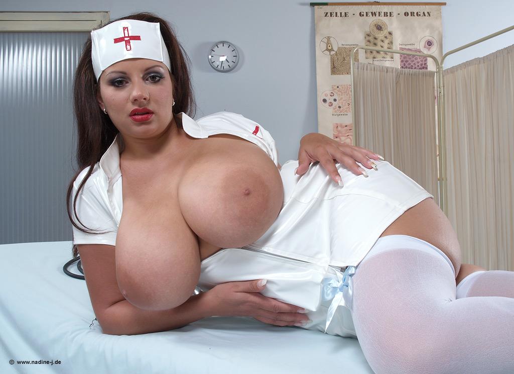 Видео очень грудастая медсестра