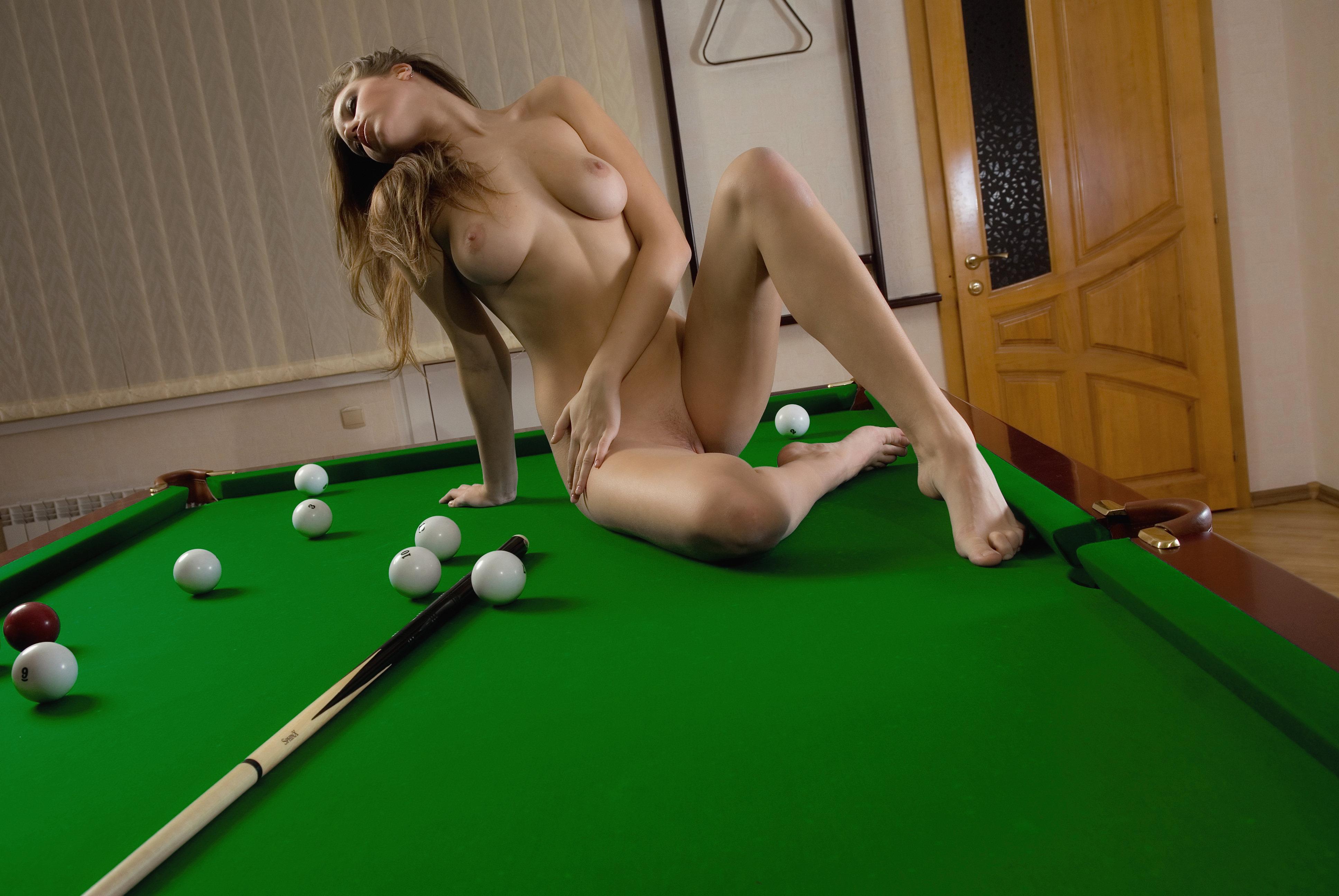 eroticheskiy-bilyard-v-kartinkah