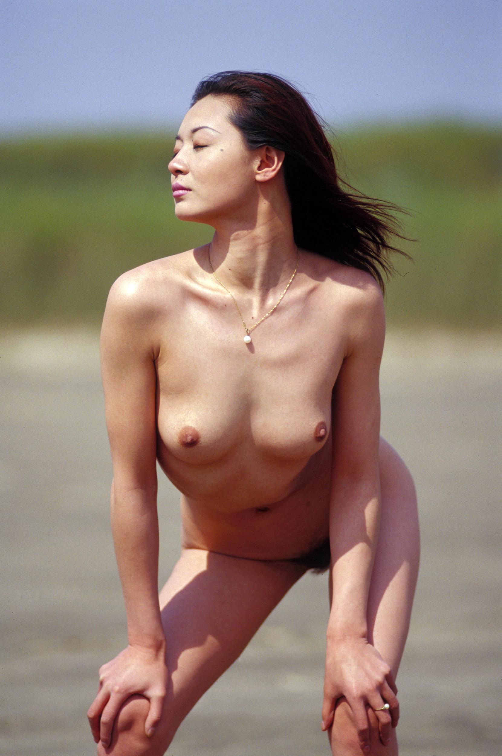 Голые китайские женщины