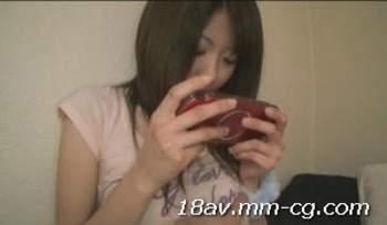 [短片]不管正妹女友在玩PSP  男友看完A片就是要幹