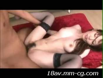 [短片]正妹波多野在兩猛男輪流瘋狂抽插下陰唇勃起  有夠淫蕩的