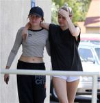 23708564_Miley-Cyrus-in-Shorts--14-662x6
