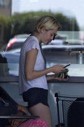 Miley Cyrus | Getting a Coffee in Malibu | April 30 | 23 pics + 29